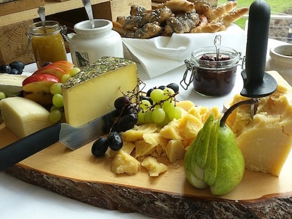 There are so many varieties of cheese. They used to taste delicious.